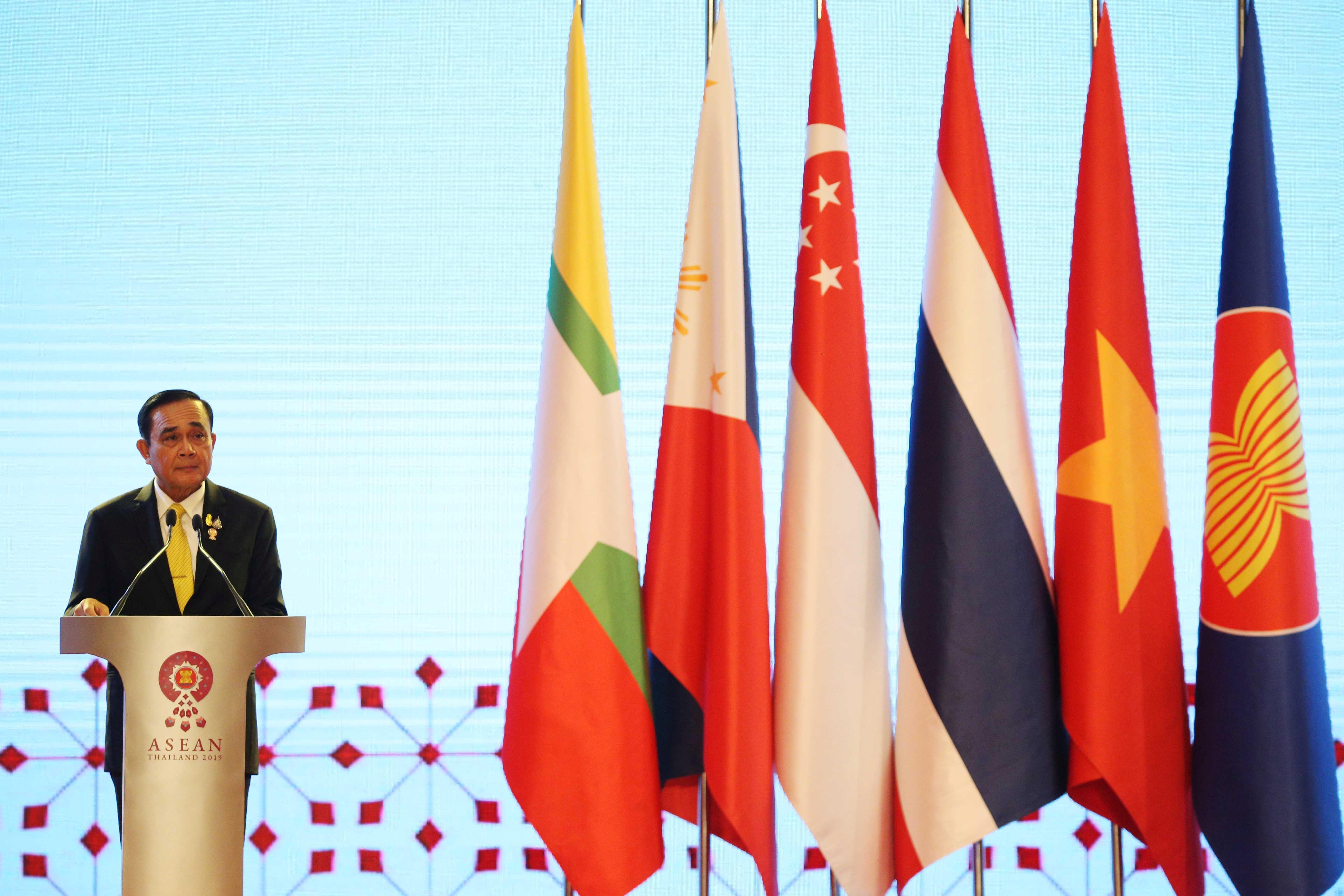 Les dirigeants de l'Asie du Sud-Est soulignent la force économique face aux tensions entre les États-Unis et la Chine