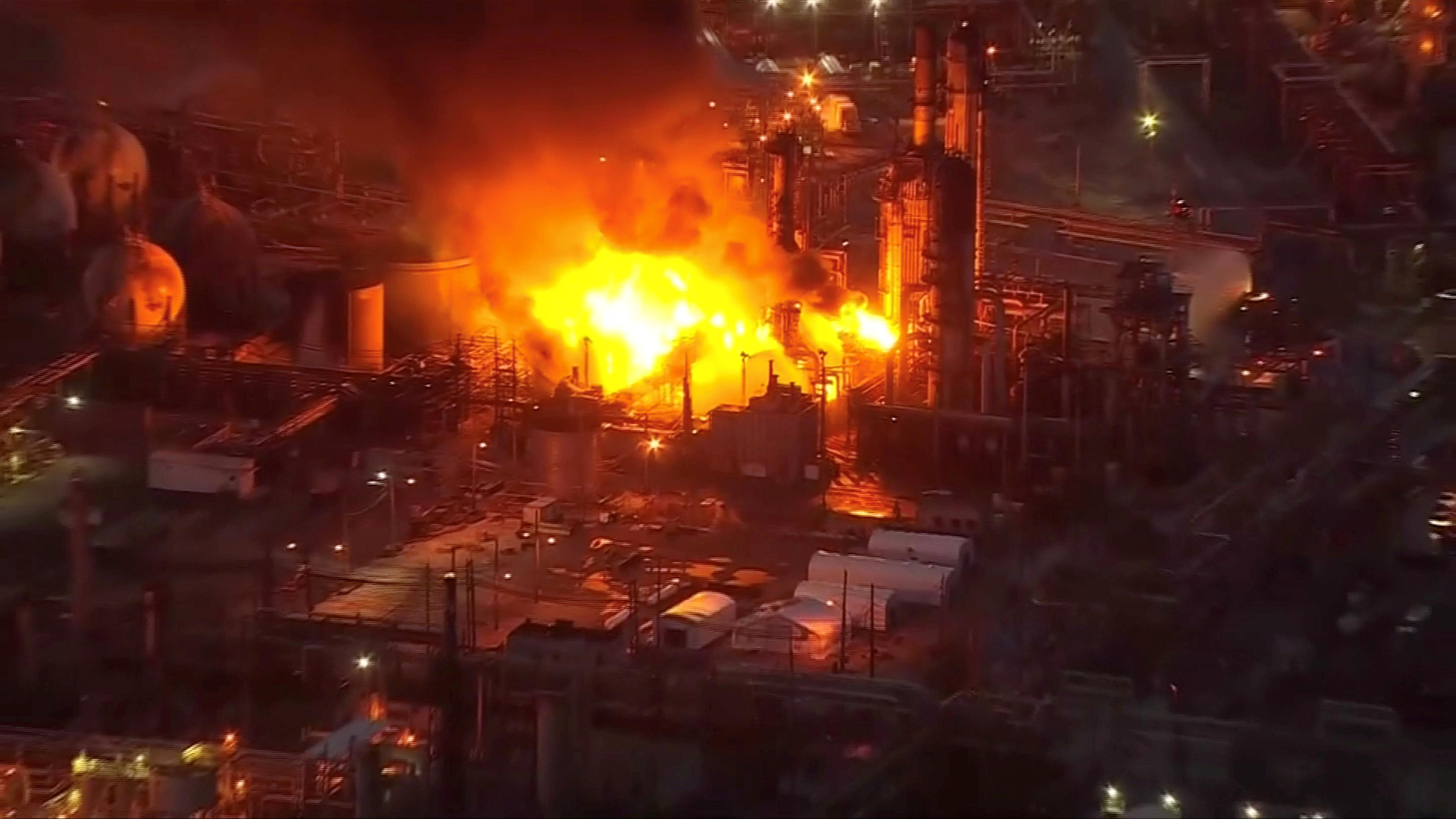 After fire, Philadelphia Energy Solutions to permanently shut oil refinery