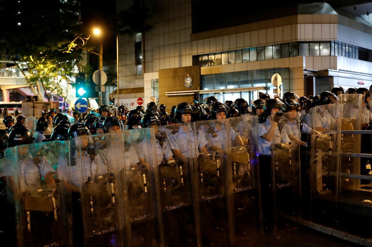 Fresh protests rock Hong Kong as activists seek a voice at G20