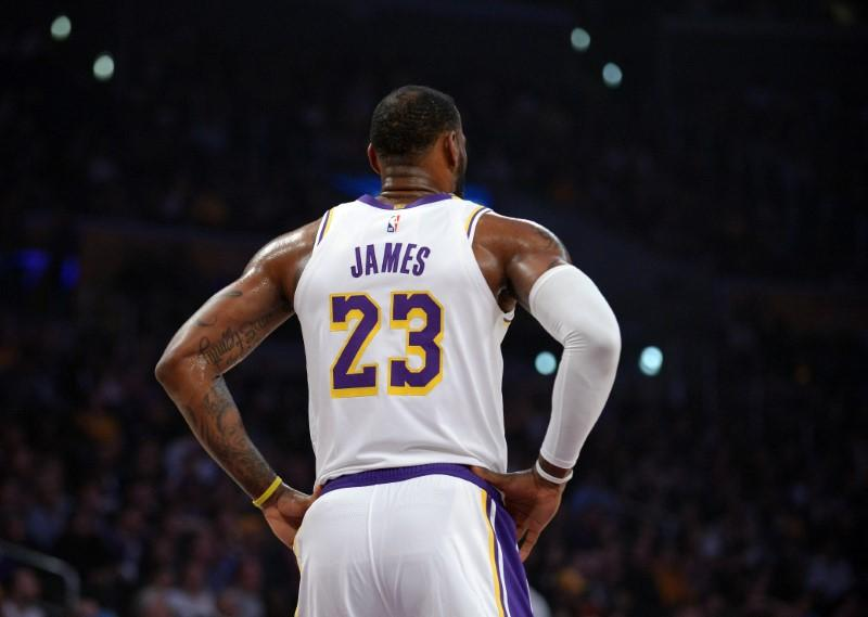 timeless design b4be5 694c1 Report: LeBron to give Davis his No. 23 with Lakers - Reuters