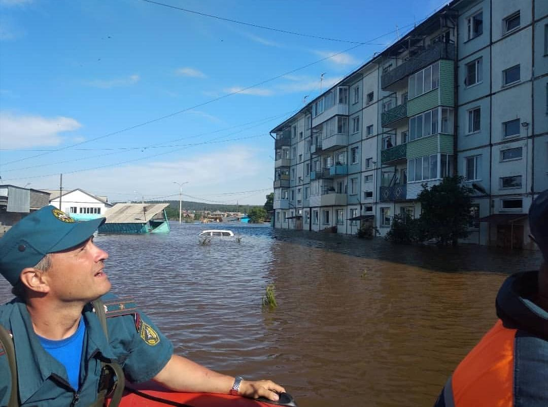Flood victims in Siberia complain authorities failed to warn them