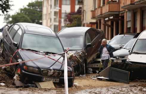 Floods sweep through northern Spanish towns