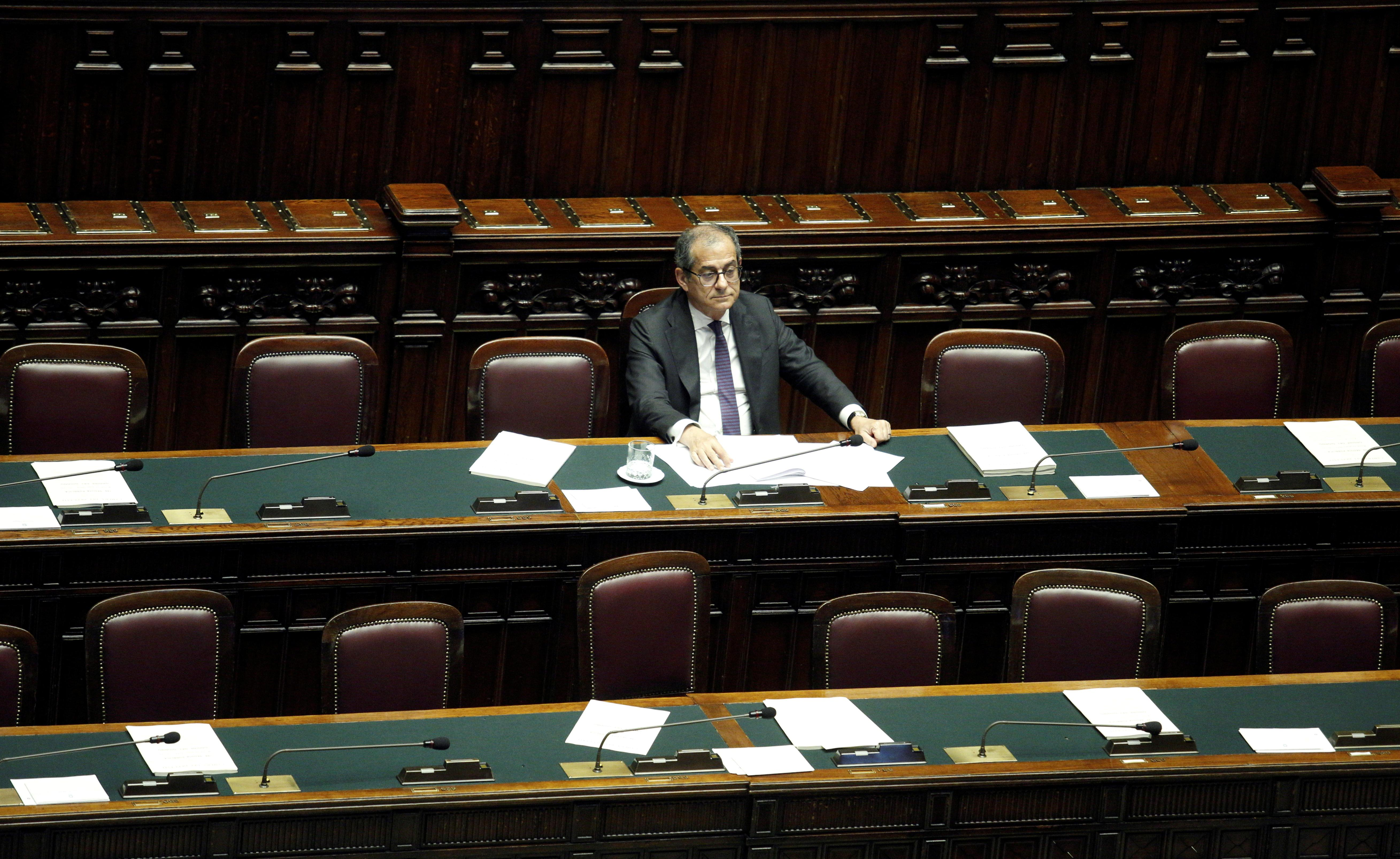 Italy committed to issuing dollar bond this year: debt management chief