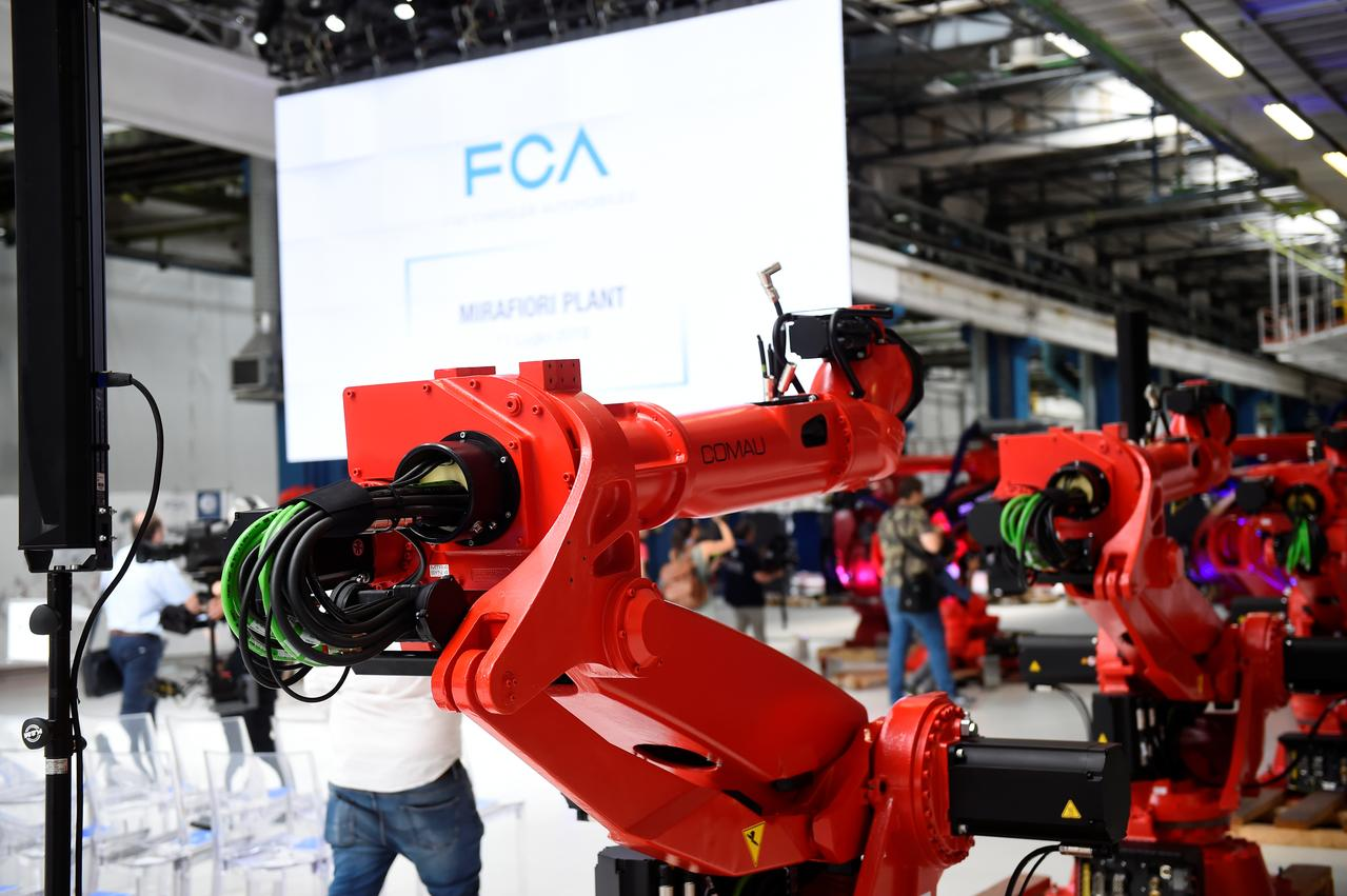 Fca Plans Electric Fiat 500 For 2020 As Moves On From Renault Reuters
