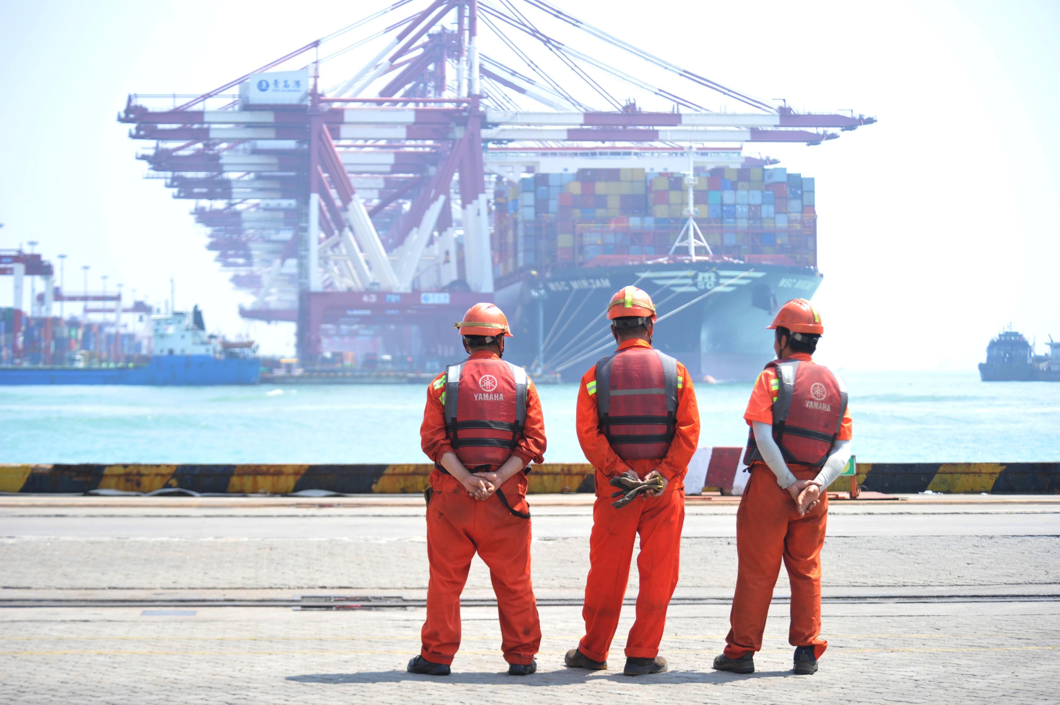 China's June exports, imports fall as trade war takes heavier toll