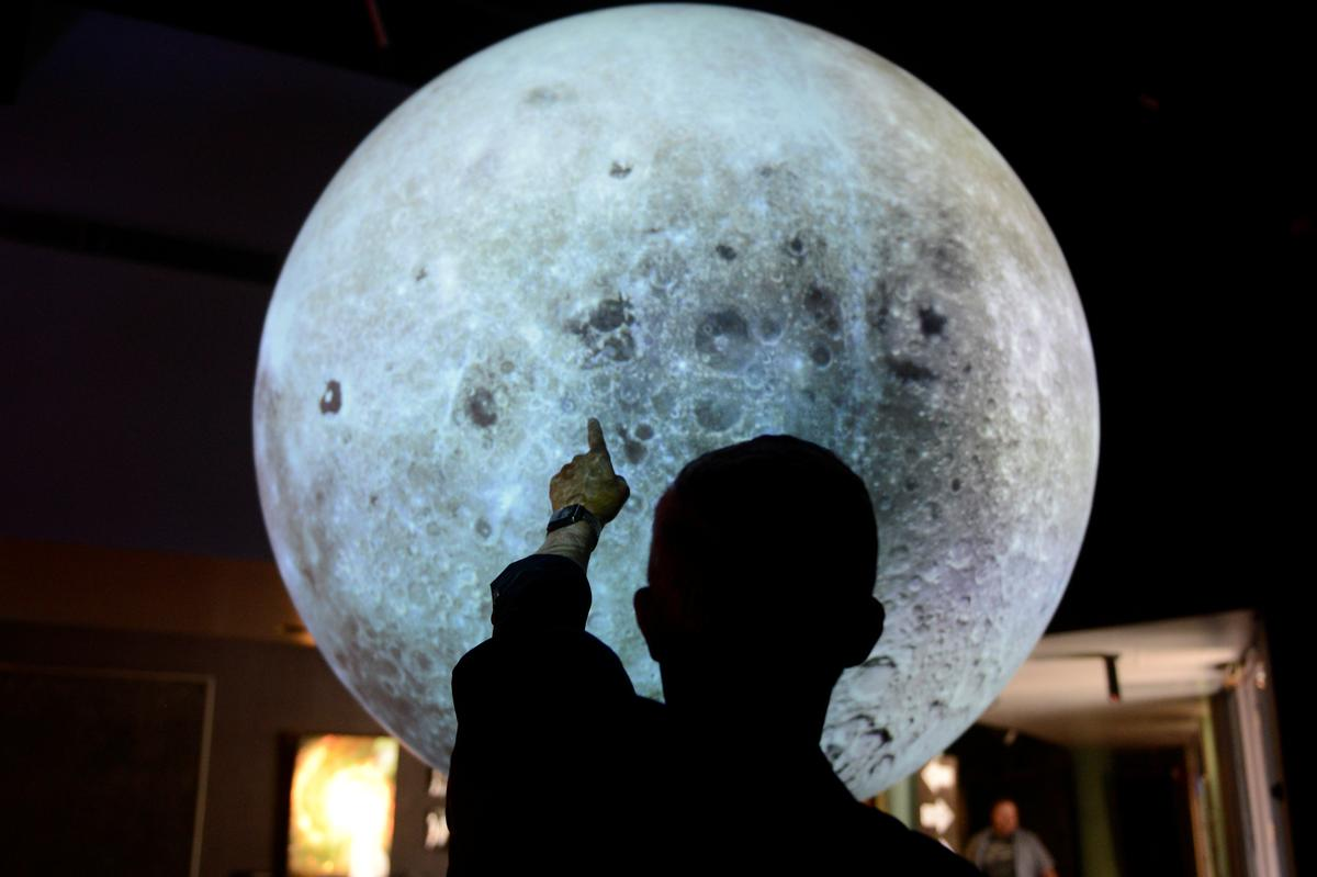 Scientists look for answers to earth's beginning under the moonscape