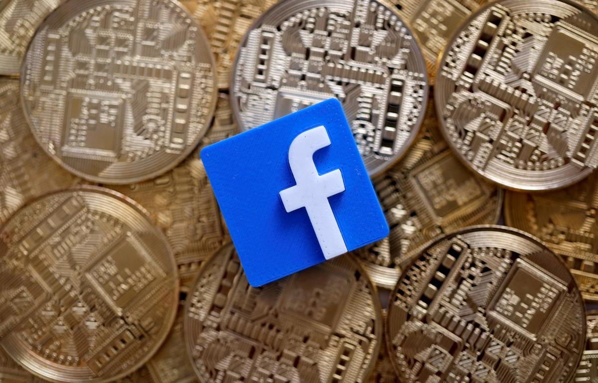 Bitcoin tumbles as U.S. senators grill Facebook on crypto plans