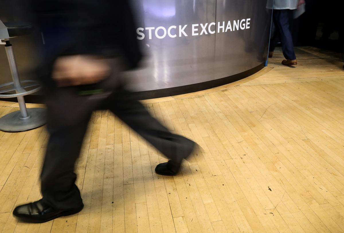Wall Street moves lower on dampened hopes for hefty Fed cut