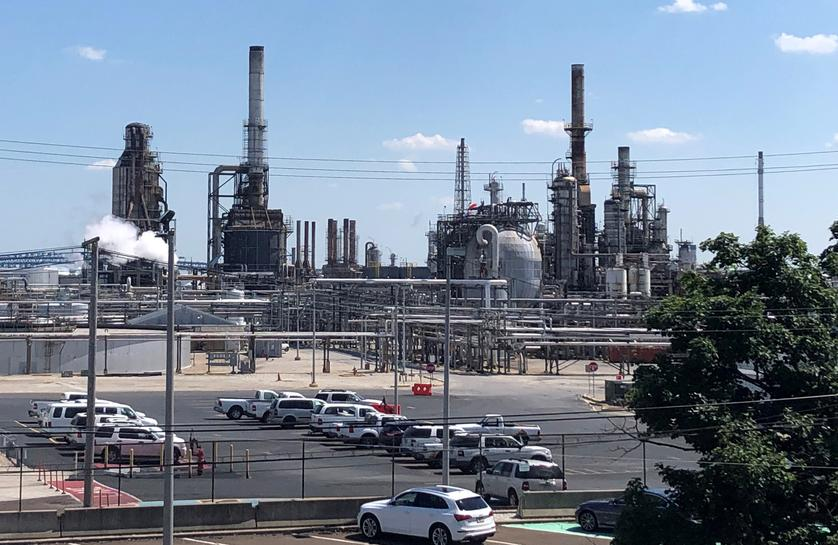 a55c0e4cd78 PES refinery outage adds to plight of homeless light sweet crude - Reuters