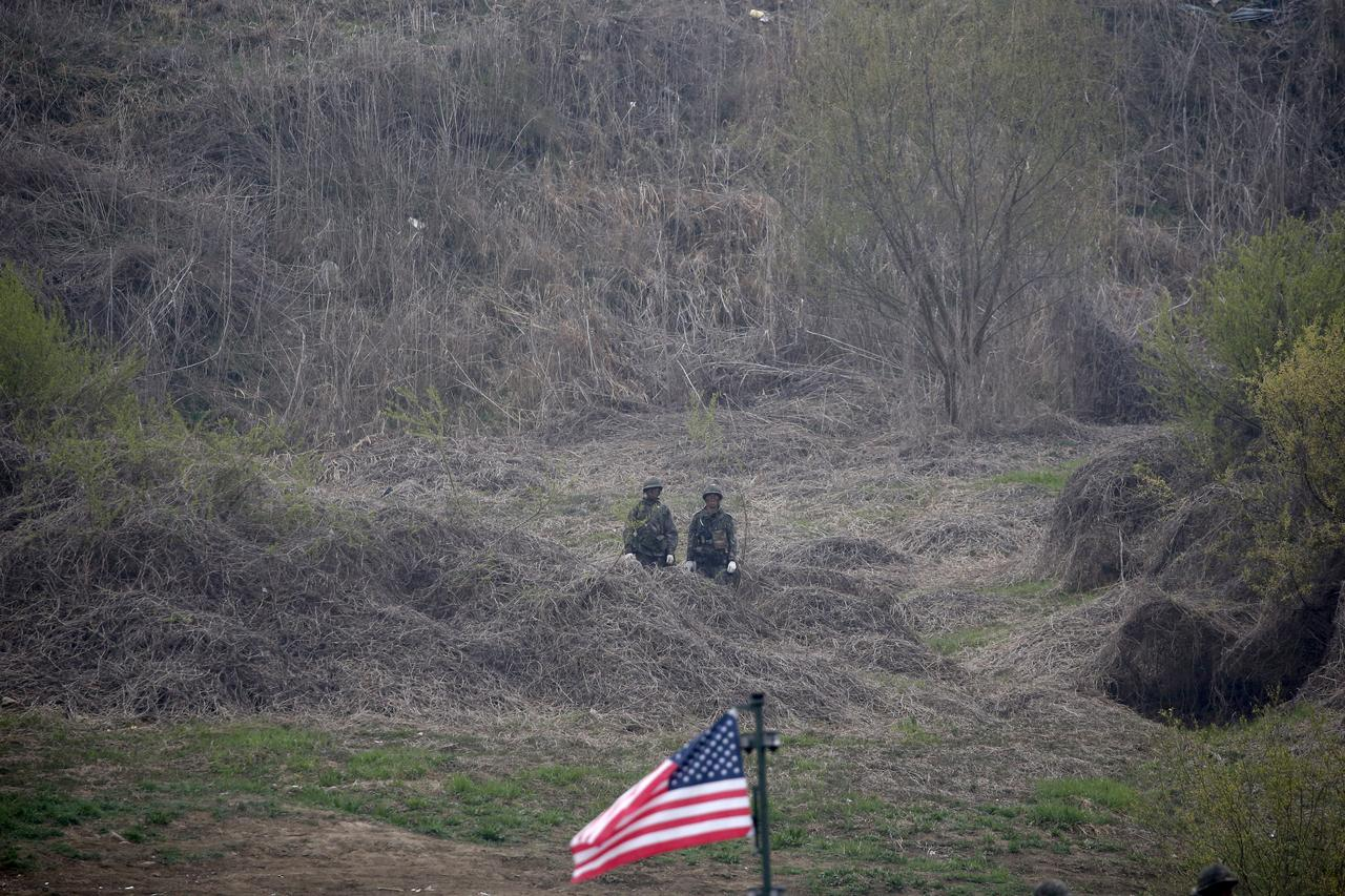 U S -South Korean military exercise to proceed: top South