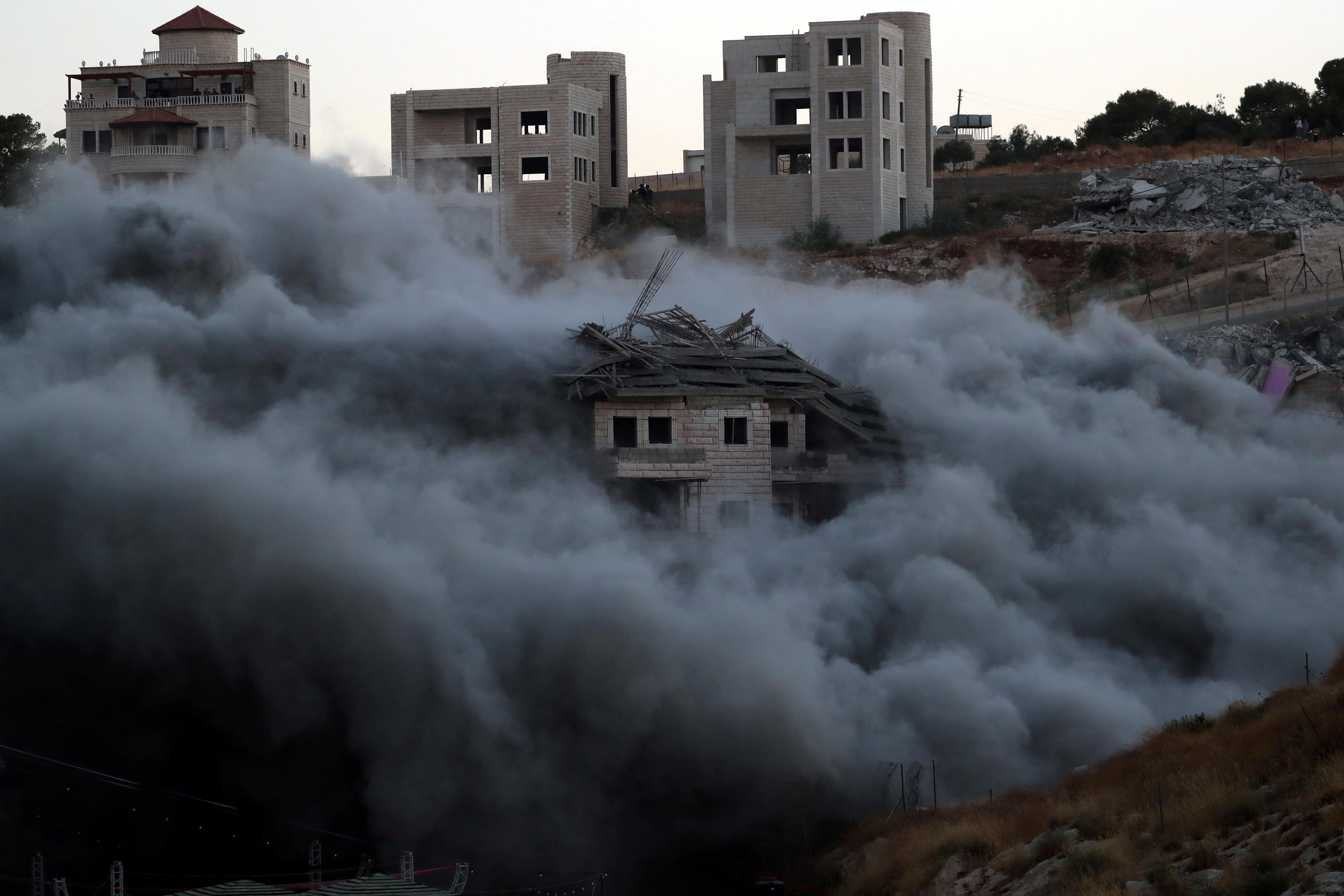 Israël démolit des maisons palestiniennes près de la barrière de Cisjordanie