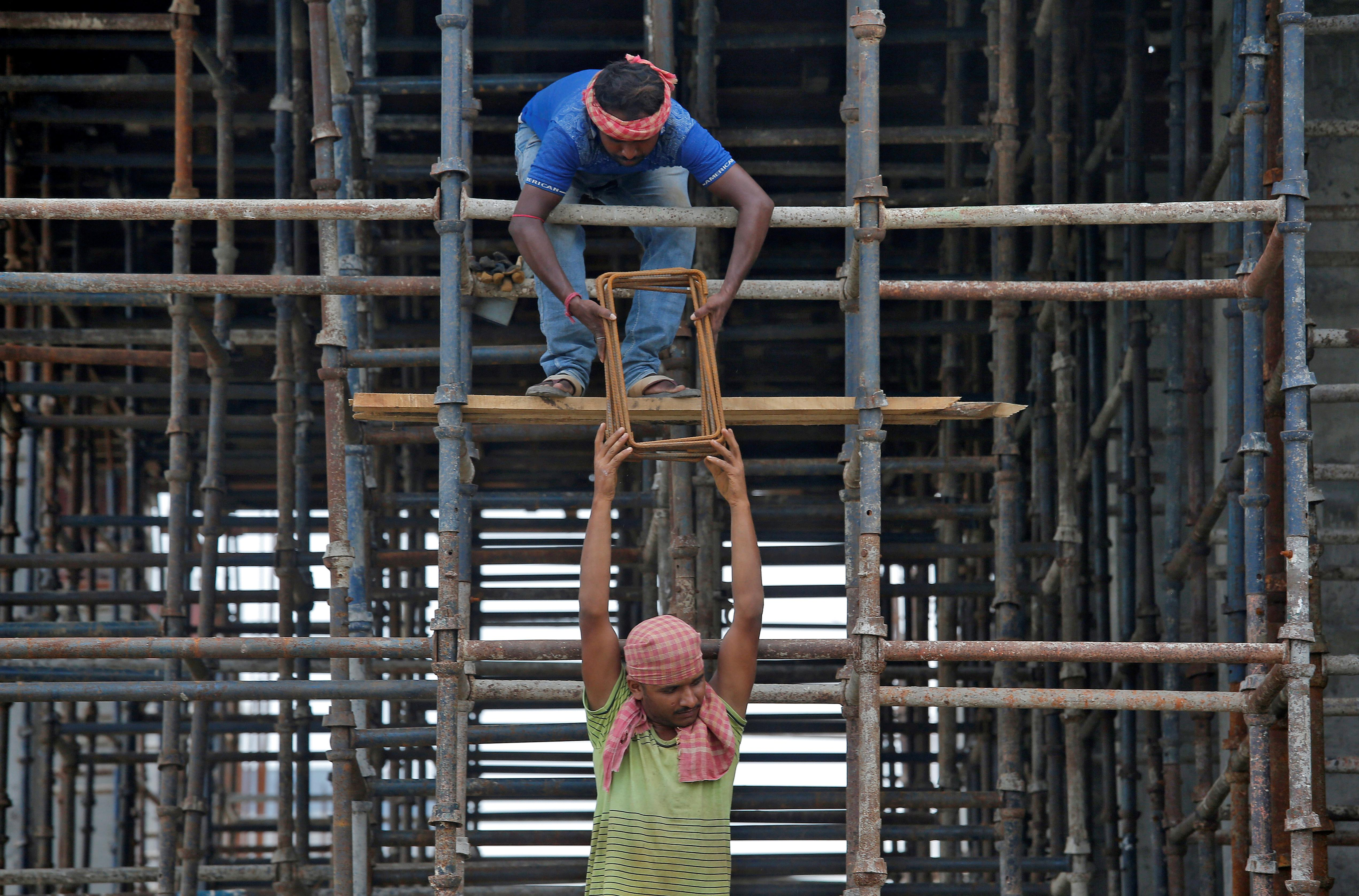 India moves to overhaul labor laws in bid to boost job creation