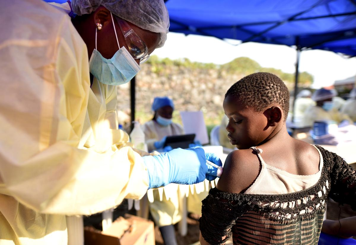 Deployment of second Ebola vaccine would not be quick fix, experts...