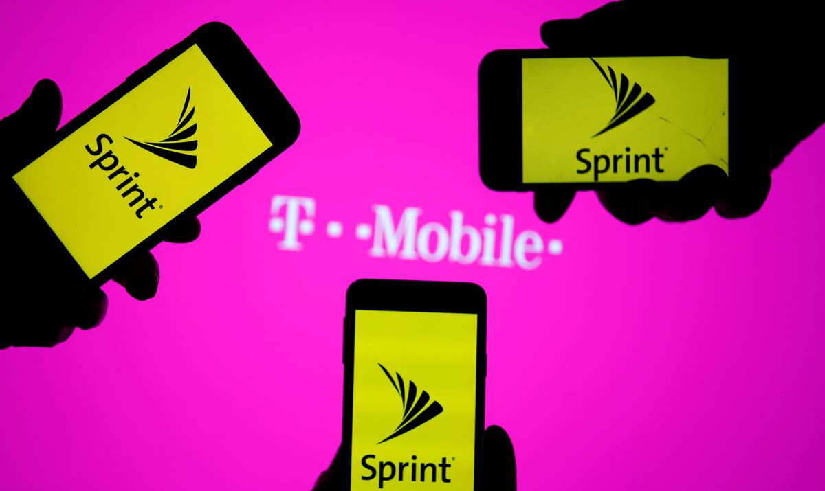 U.S. Department of Justice approves T-Mobile, Sprint tie-up