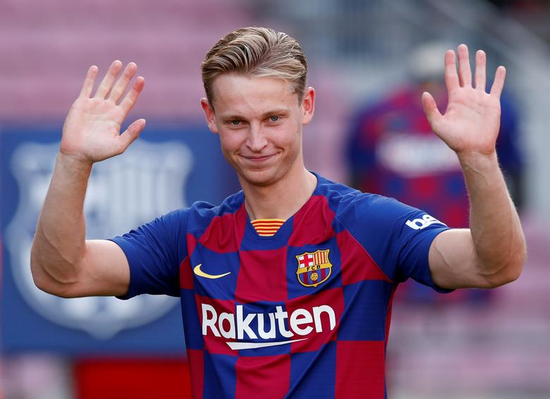 Soccer Inspired By Cruyff De Jong Keen To Make Mark At Barca Reuters Com