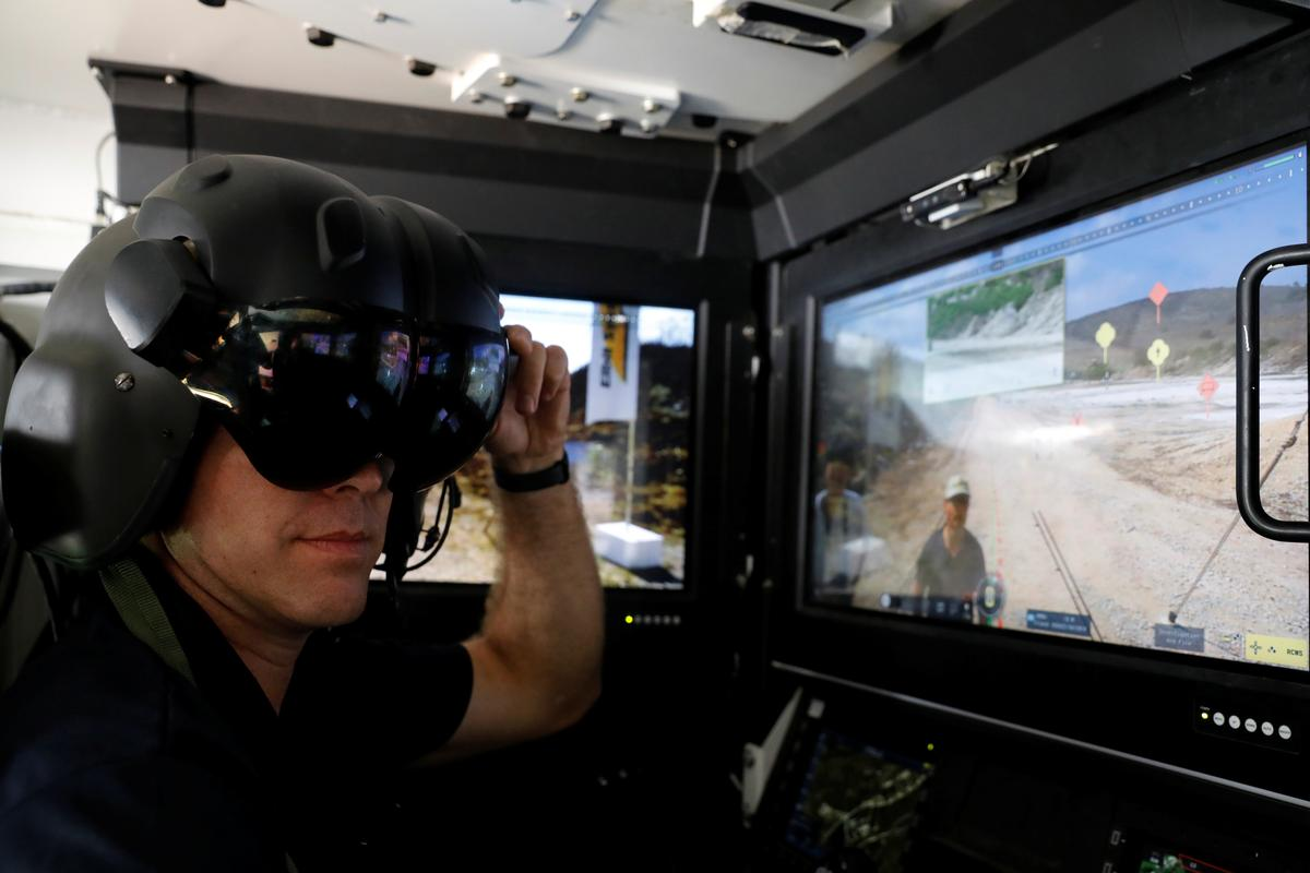 Israeli army in no rush to go fully robotic