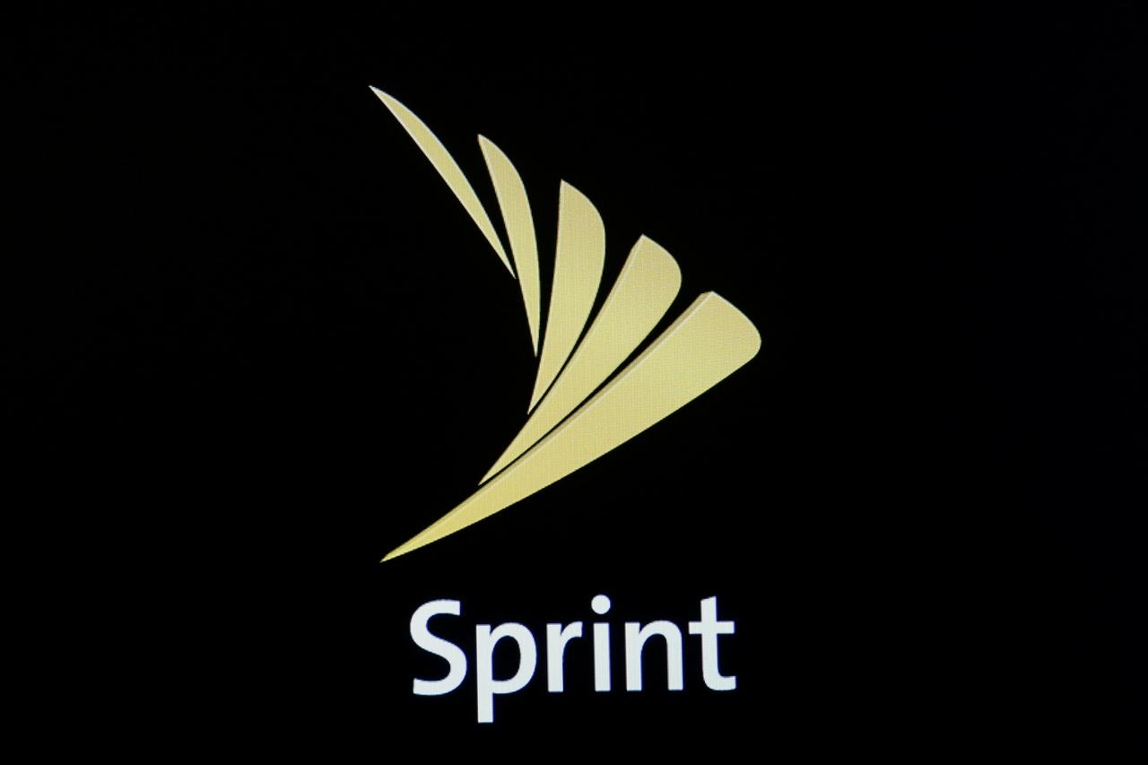 Sprint to launch Chinese-made OnePlus 5G smartphone in U S  - Reuters