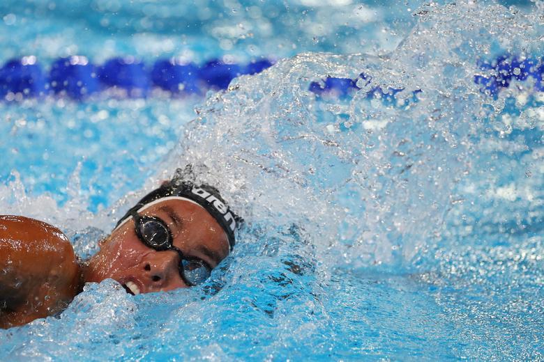La mexicana Allyson Ayumi Mavias compite en las finales de natación libre de 800 metros femeninas. REUTERS / Pilar Olivares