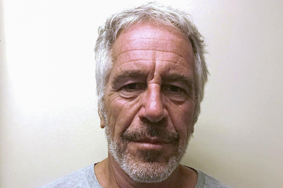Disgraced money manager Jeffrey Epstein dead in apparent suicide