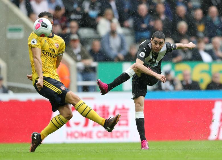 Aubameyang Seals Arsenal Victory At Newcastle Reuters Com