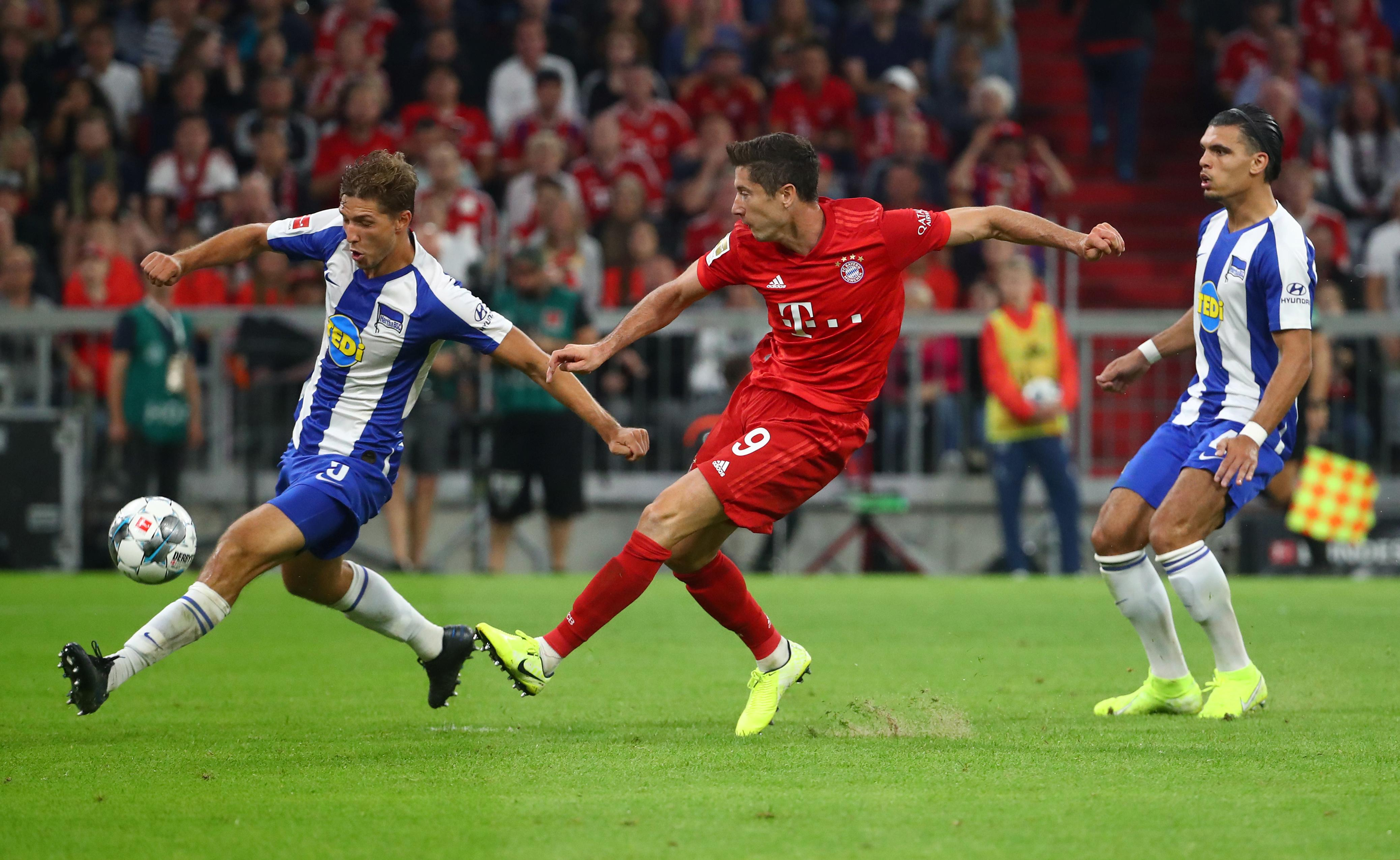 Soccer: Lewandowski double rescues draw for Bayern in season opener
