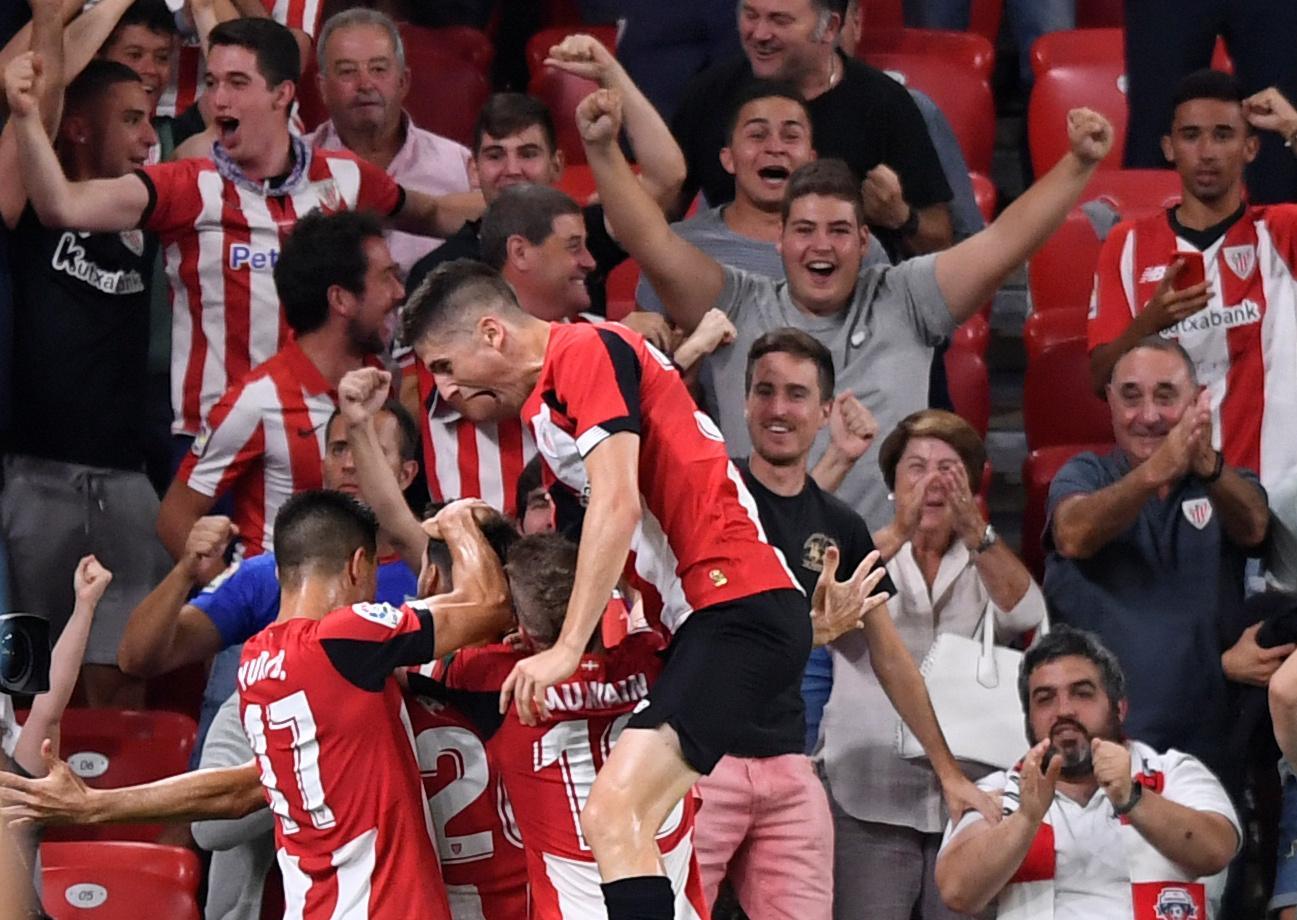 Barca beaten in Bilbao by thunderous strike from Aduriz