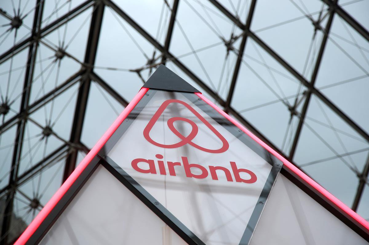 Techmeme: Source: Airbnb's revenue grew 40% in 2018, and it