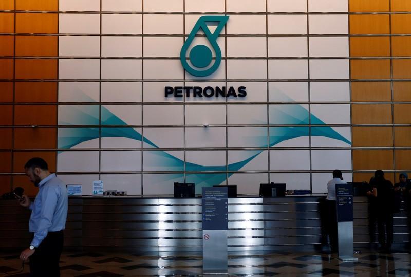 Petronas says begun restarting Saudi-Malaysian refinery CDU