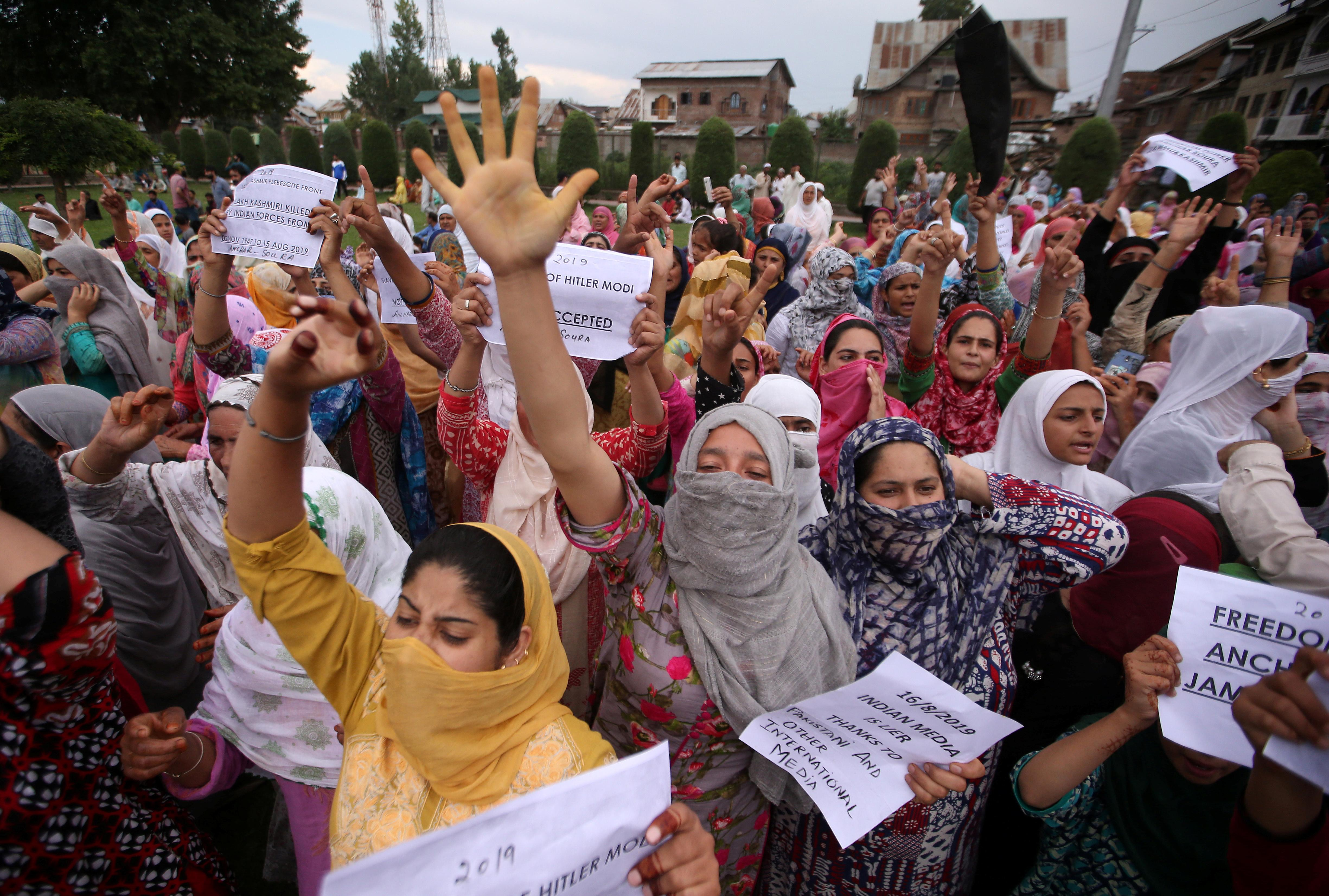 India eases some curbs in Kashmir, including fixed line phone use