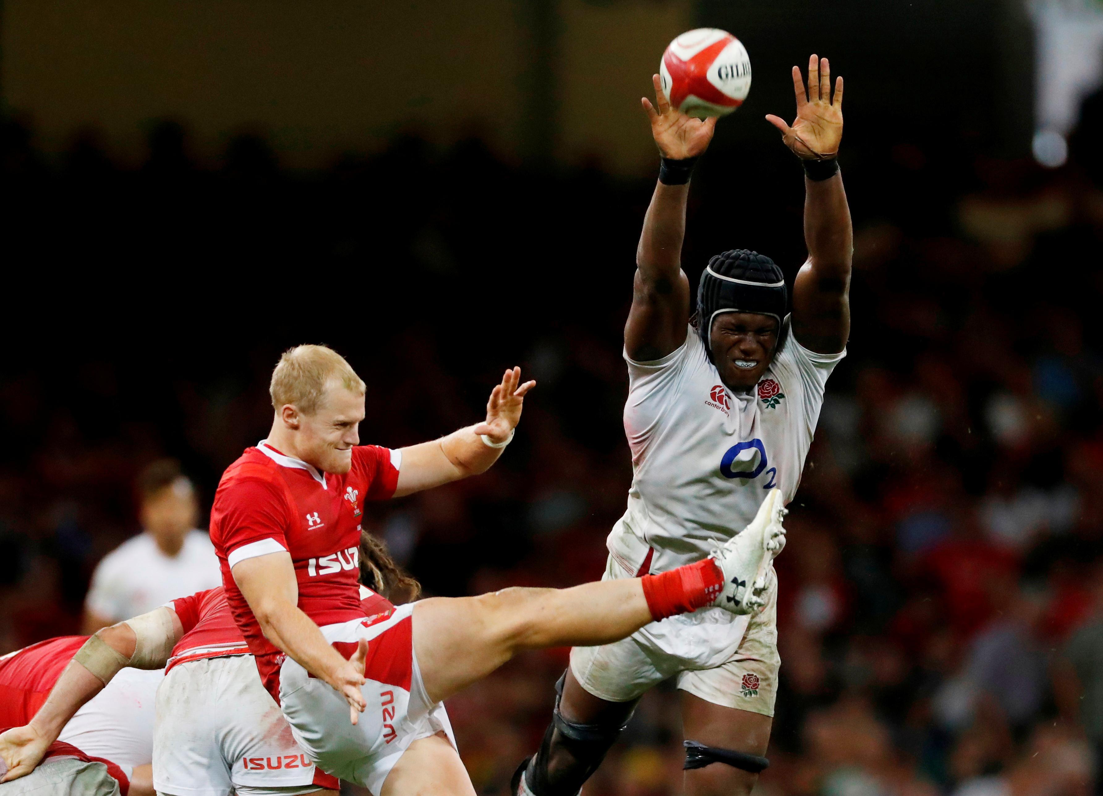 Biggar stars as Wales top world rankings with England win