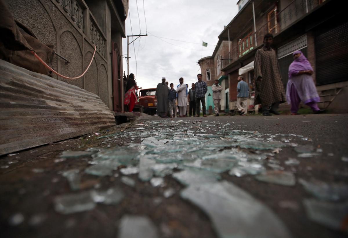 Verskeie beseer in Kashmir in botsings met die Indiese polisie