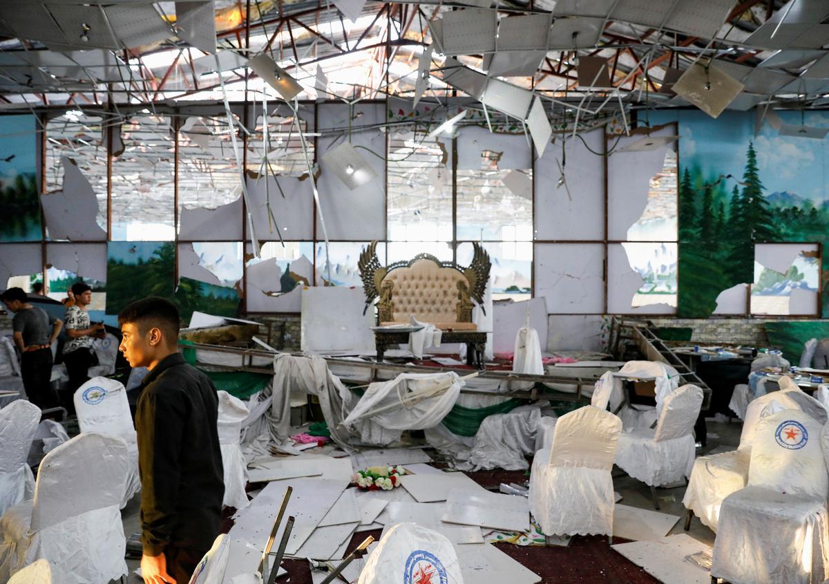 Afgaanse ontploffing van troue in die huwelik is 63 dood te midde van hoop op samesprekings