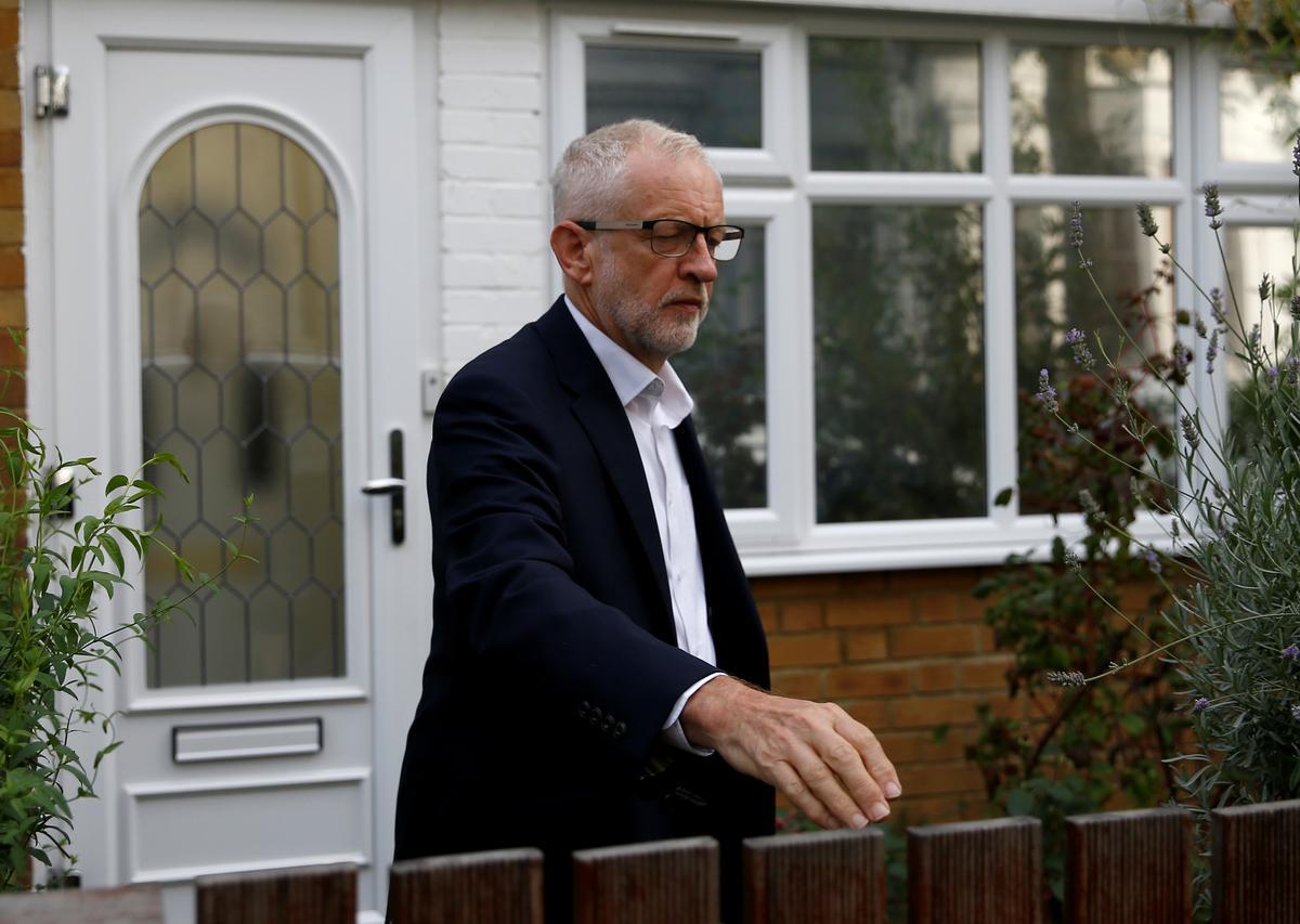Die Britse konserwatiewe wetgewer sê dat Corbyn van Labour nie 'n eenheidsregering kan lei nie