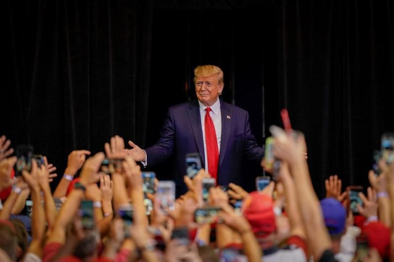 Pour Trump, les appels aux craintes des Blancs concernant la race pourraient s'avérer plus difficiles à vendre en 2020: sondage Reuters / Ipsos