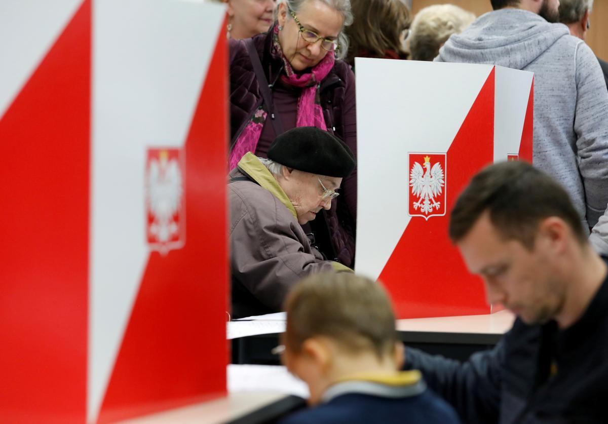 Poolse opposisie verenig die Senaat van regerende nasionaliste