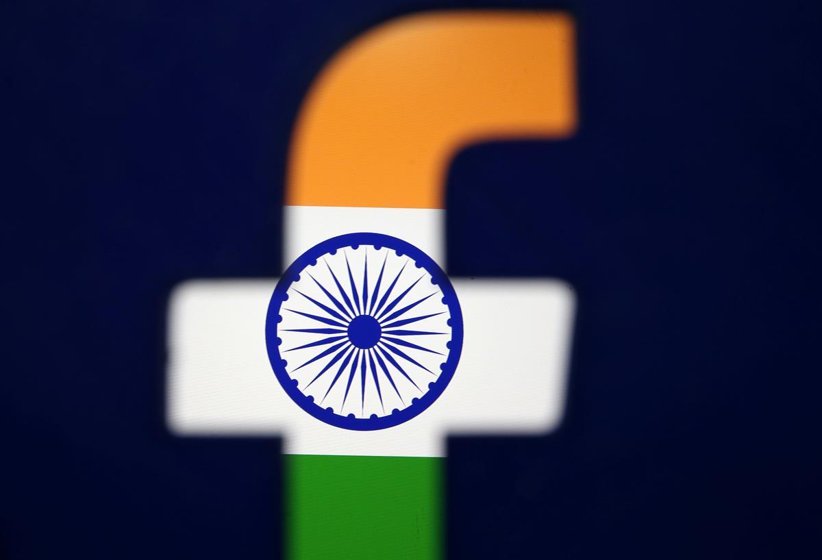 Facebook-kontrakteur verhoog betaal vir Indiese inhoudbeoordelaars