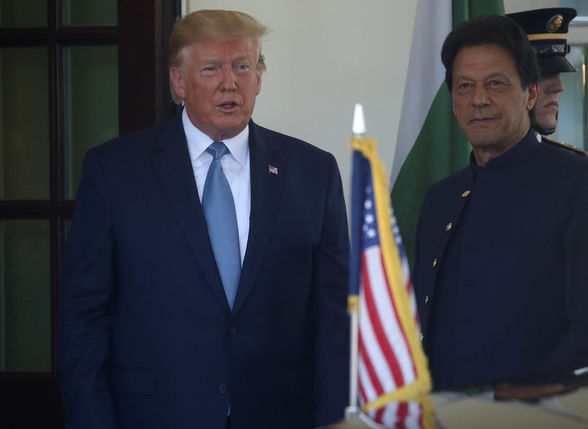 Trump, Pakistan se Khan, bespreek die vermindering van spanning met Indië oor Kashmir