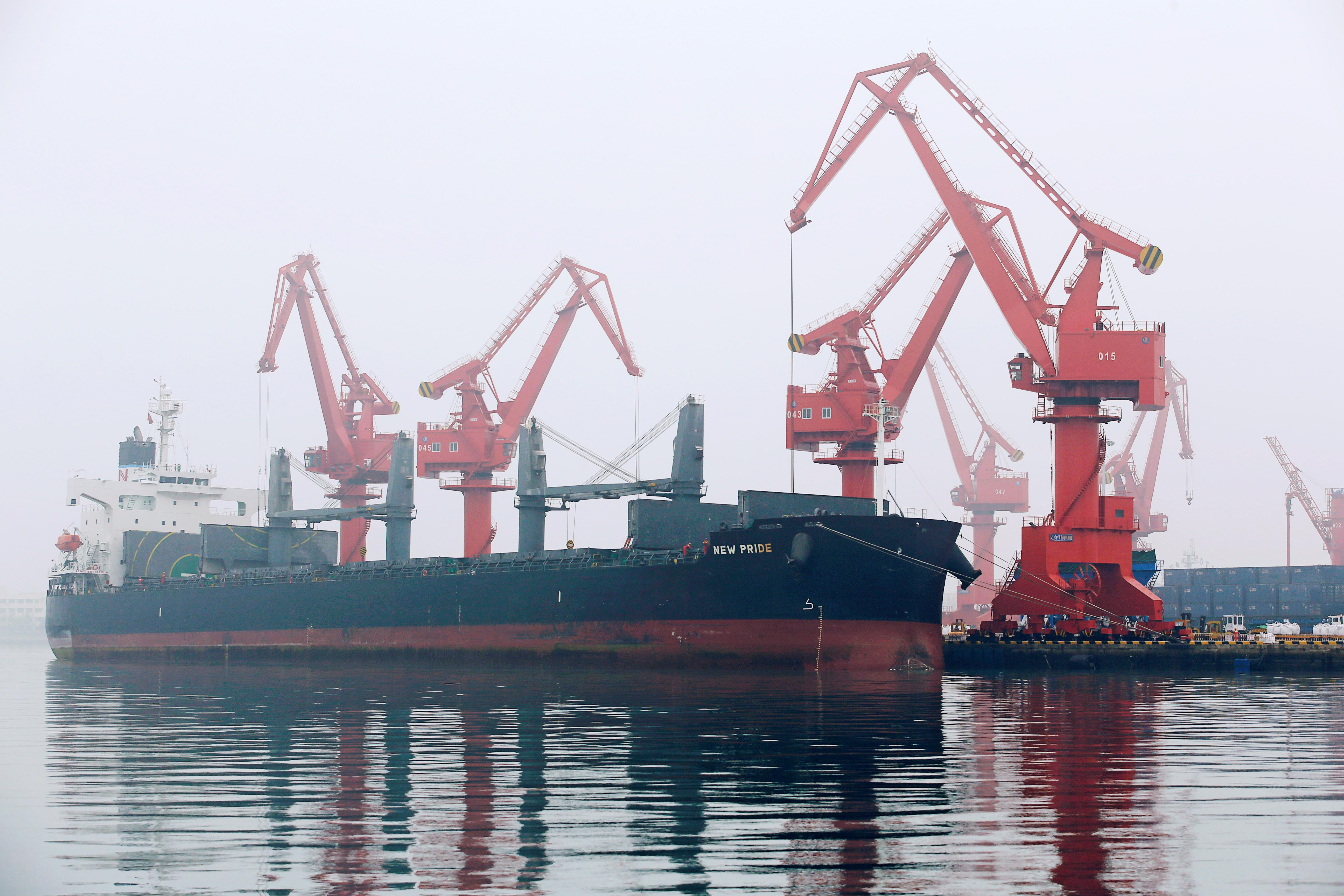 Oil prices rise on stimulus hopes, trade optimism