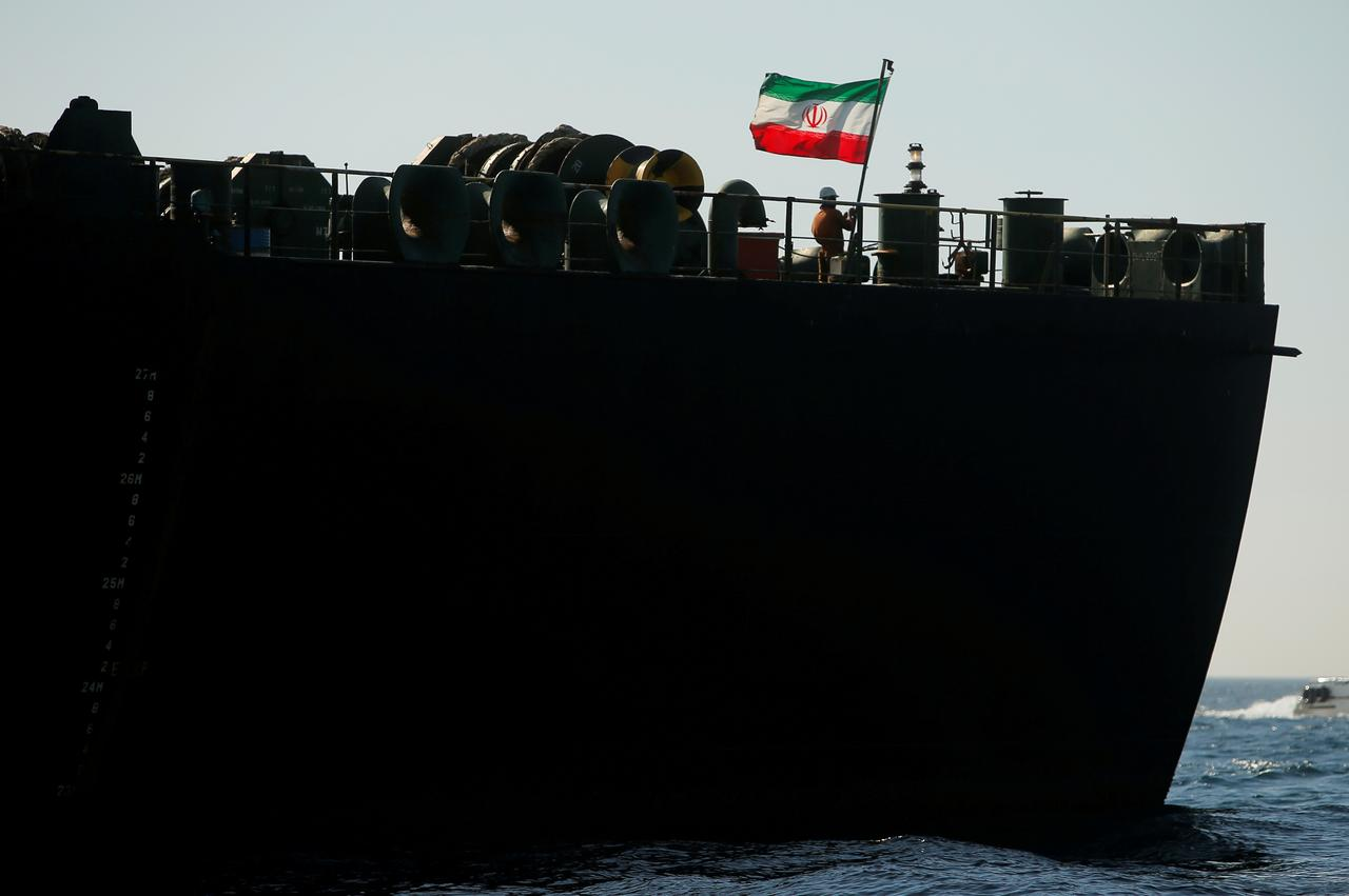 U S  will act if Iranian tanker tries to deliver oil to