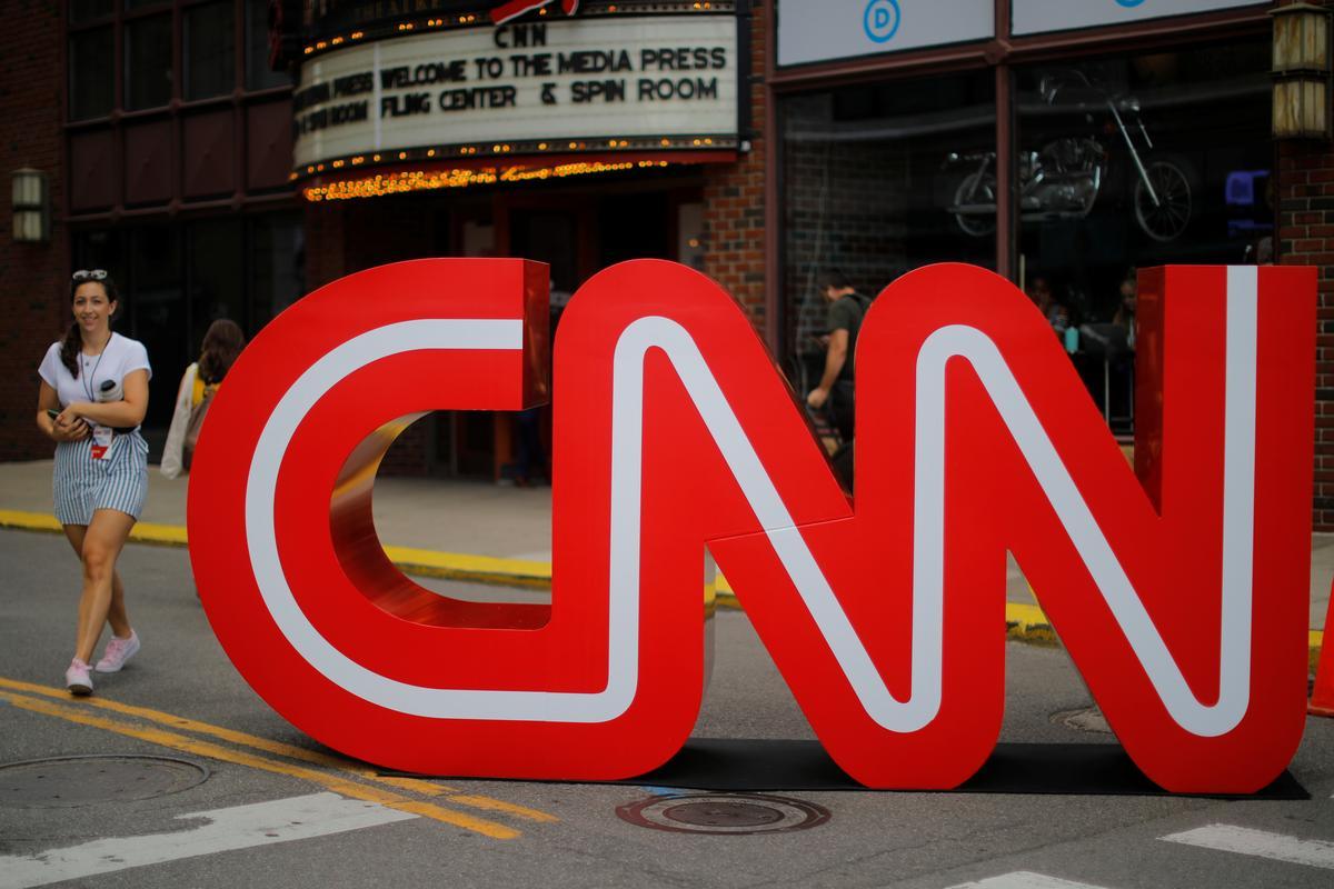 Rusland beboet CNN-uitsaaier vir volume-oortredings