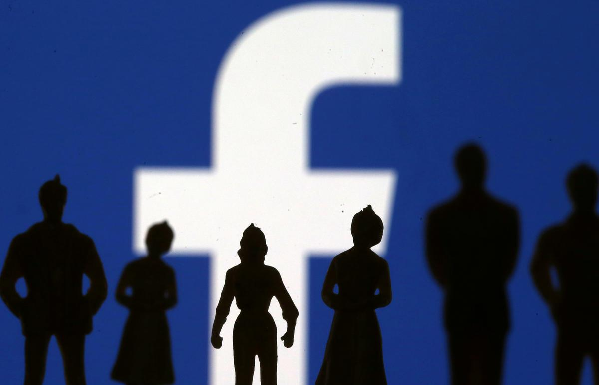 Amerikaanse konserwatiewes meen Facebook het 'beduidende werk' nodig om die probleme op te los: voormalige senator