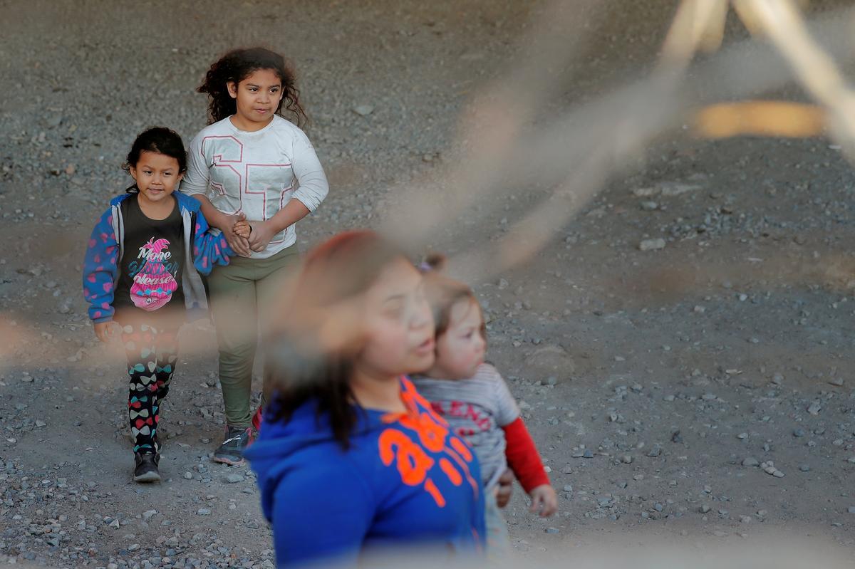Trump-administrasie sal na verwagting die plan aankondig om migrerende kinders langer in aanhouding te hou: ABC