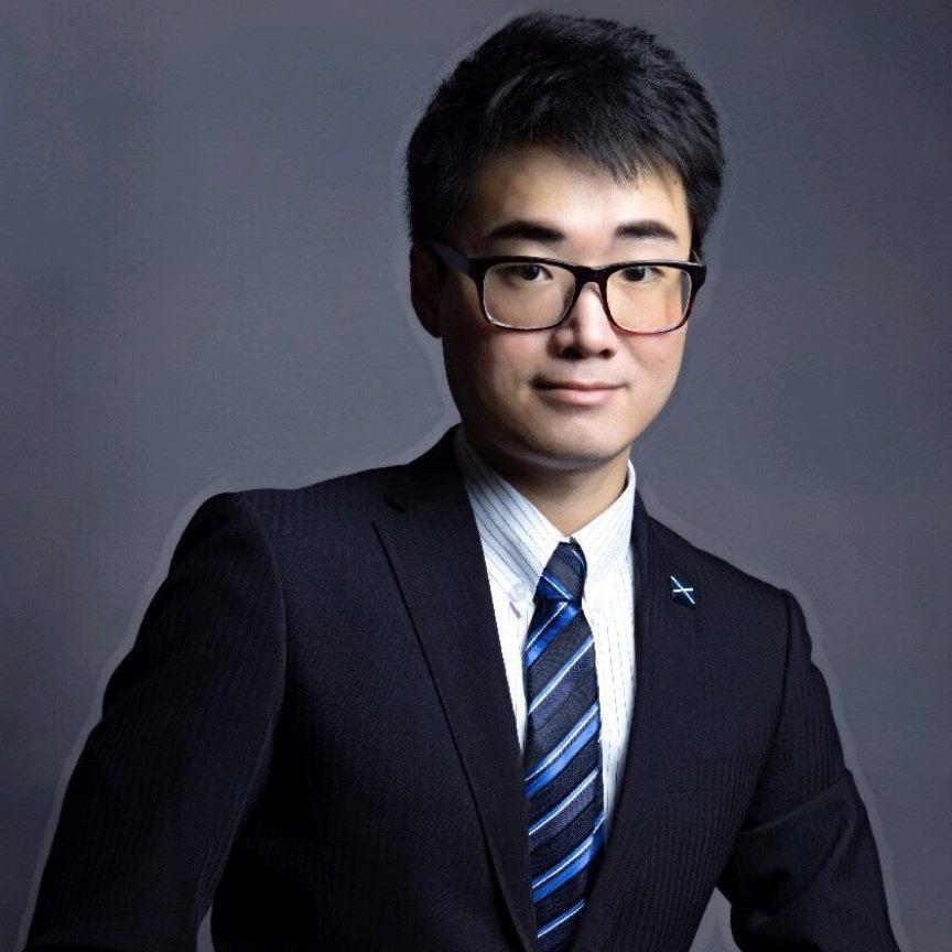 China hou werknemer van die Britse missie in Hong Kong vas, en die Verenigde Koninkryk word aangespoor om op te tree