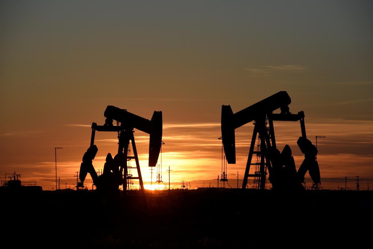 Oil prices creep up ahead of speech by Fed chair