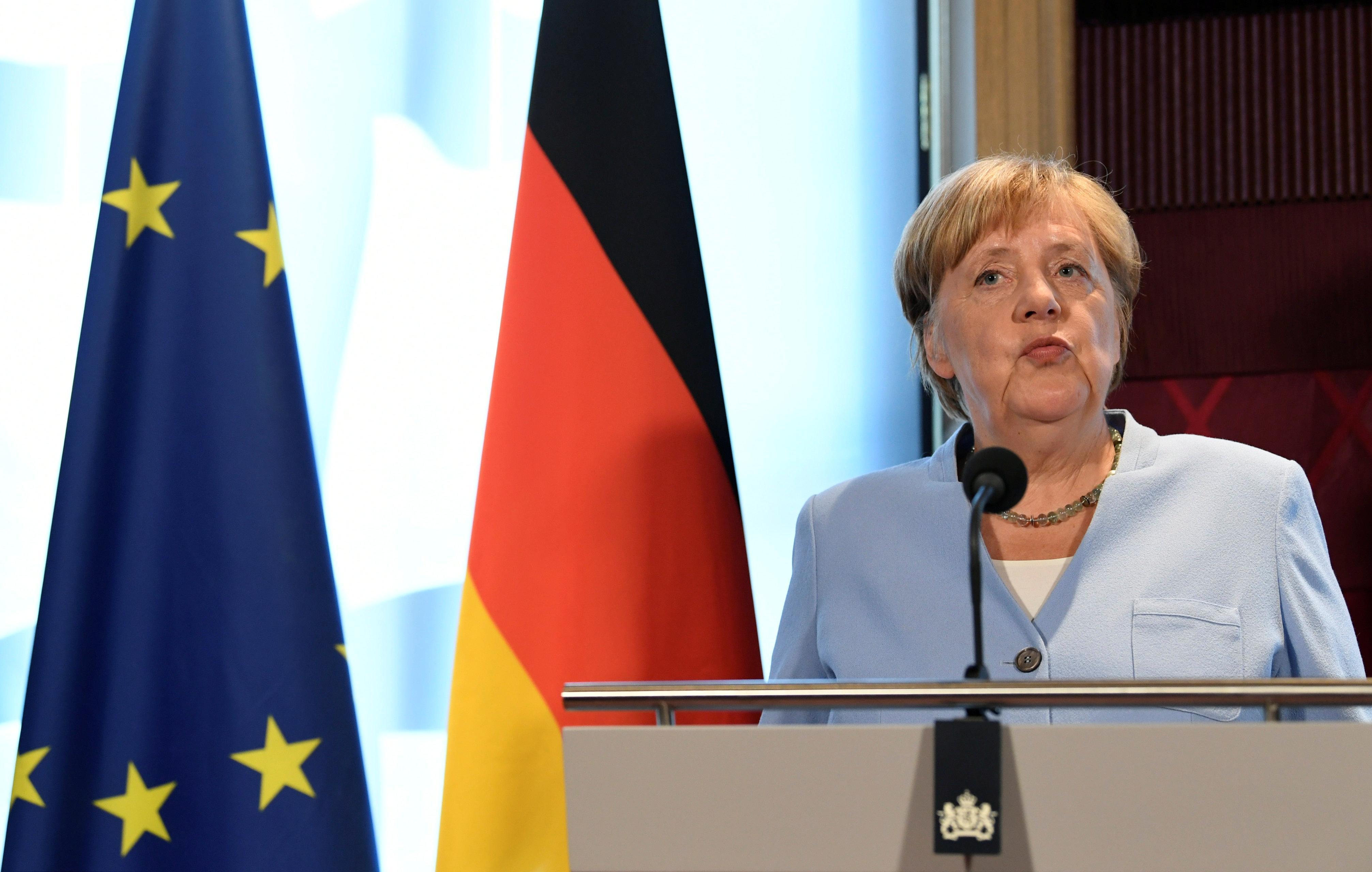 Merkel - '30 days' Brexit remarks were meant to highlight urgency