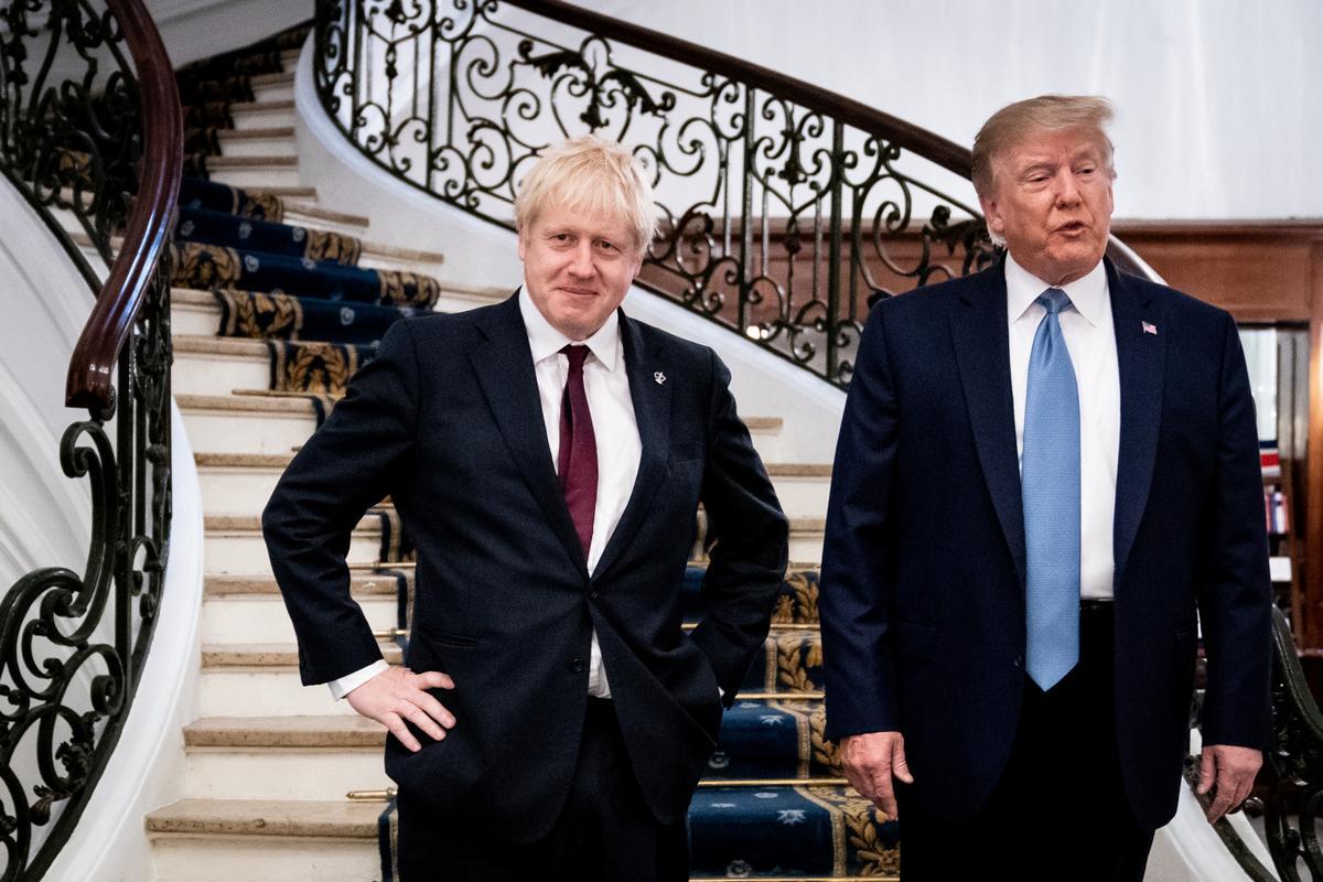 Trump, Johnson bespreek Huawei op die G7-kantlyn