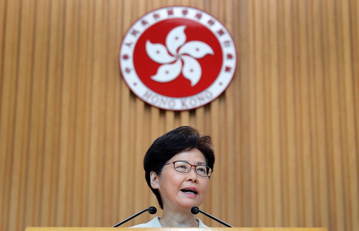 Hong Kong-geweld word ernstiger, maar die regering is in beheer, sê Lam