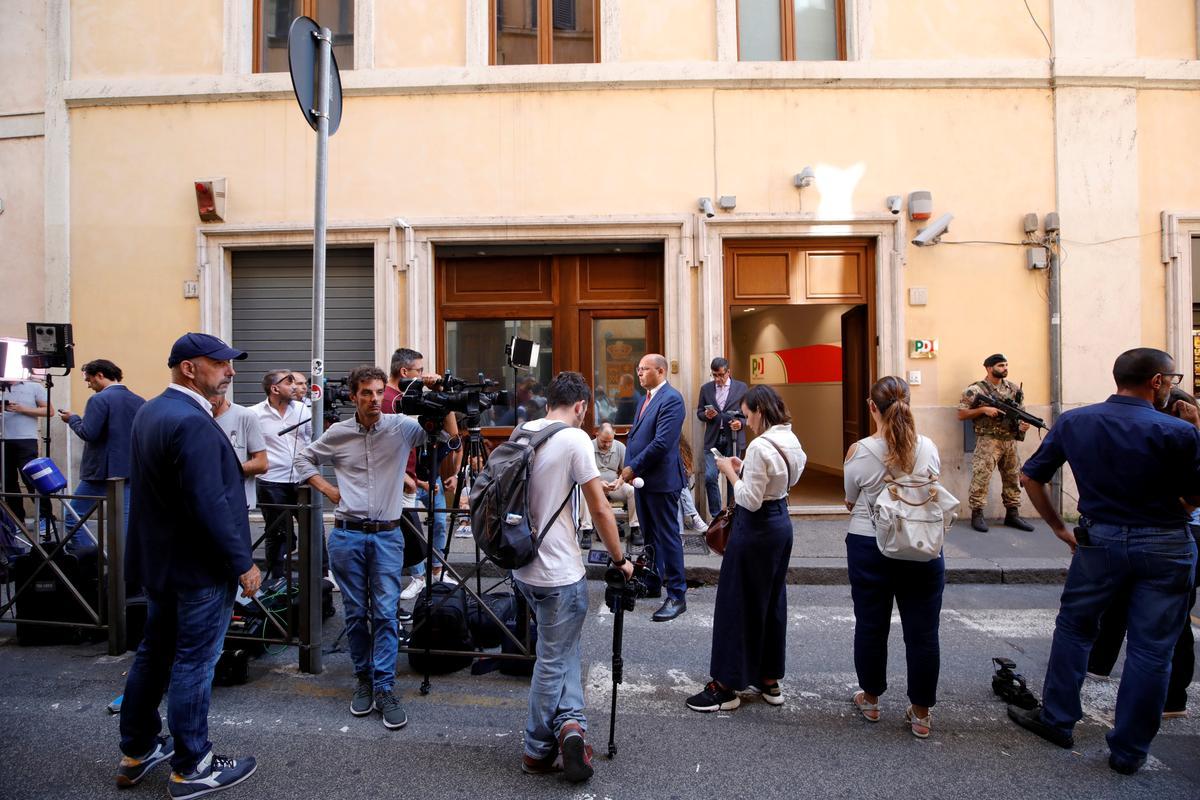 Italië se 5-ster, opposisie op die hoof van die rolle in die vermeende nuwe kabinet