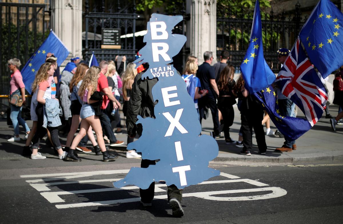 Britse opposisiepartye stem saam om saam te werk om die Brexit-ooreenkoms te stuit