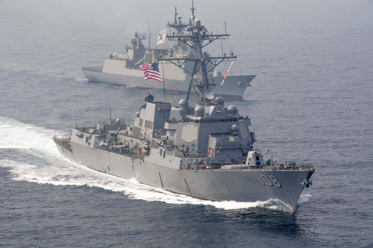 Amerikaanse oorlogskip vaar in betwiste Suid-Chinese See te midde van handelspanning